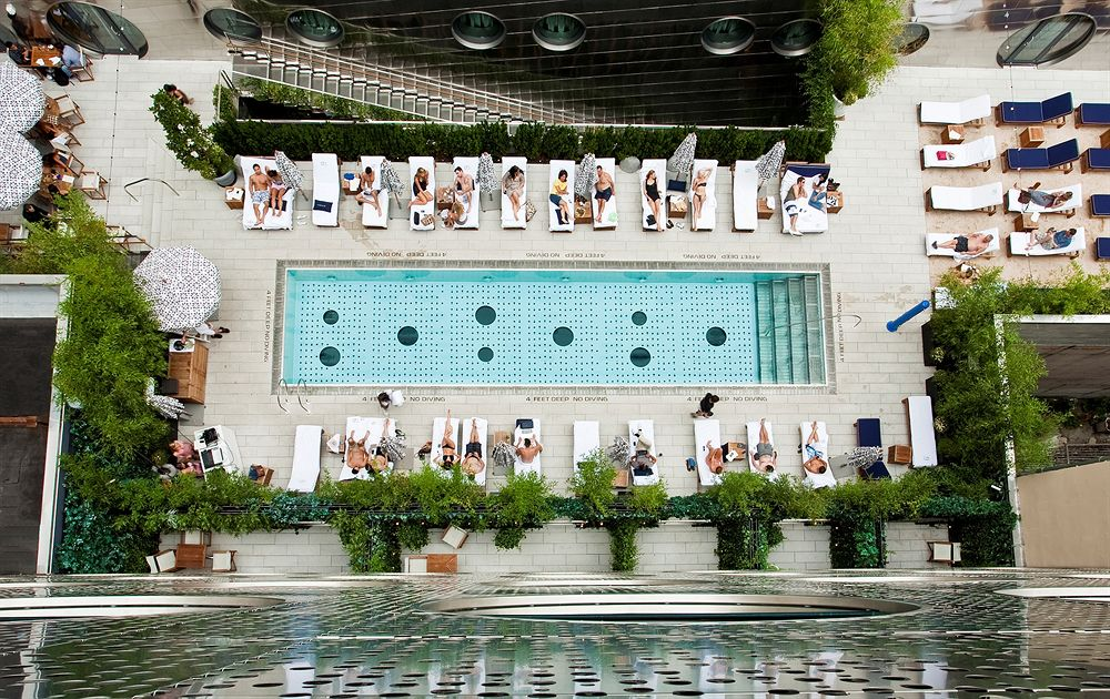 12 luxe rooftop pools to add to your bucket list aglaia - New york hotels with rooftop swimming pools ...